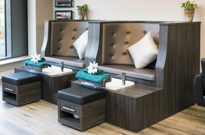 pedicure booth brown leather with basin